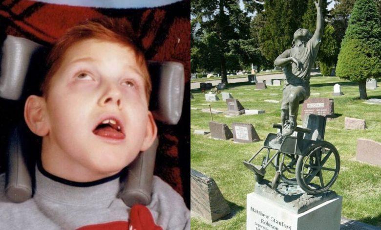Scultura per un bambino disabile