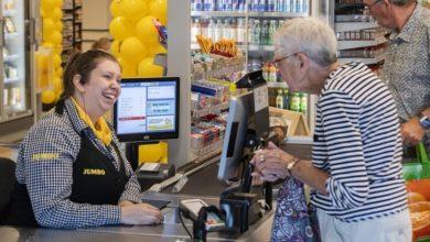 """Photo of Un supermercato olandese attiva il """"Chat Checkout"""", un servizio che permette ai cassieri di chattare con le persone sole"""