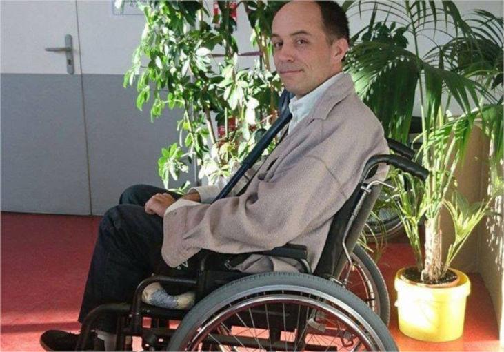 Autista fa scendere i passeggeri e fa salire un disabile