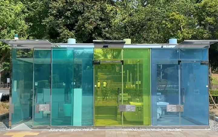 I bagni pubblici vetro trasparente