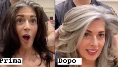 Photo of Invece di coprire i capelli grigi, questo parrucchiere aiuta le sue clienti ad accettare la radicale trasformazione nella fase di transizione verso i capelli bianchi