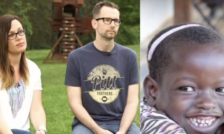Coppia adotta una bimba africana