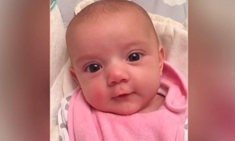 Neonata di sole 8 settimane