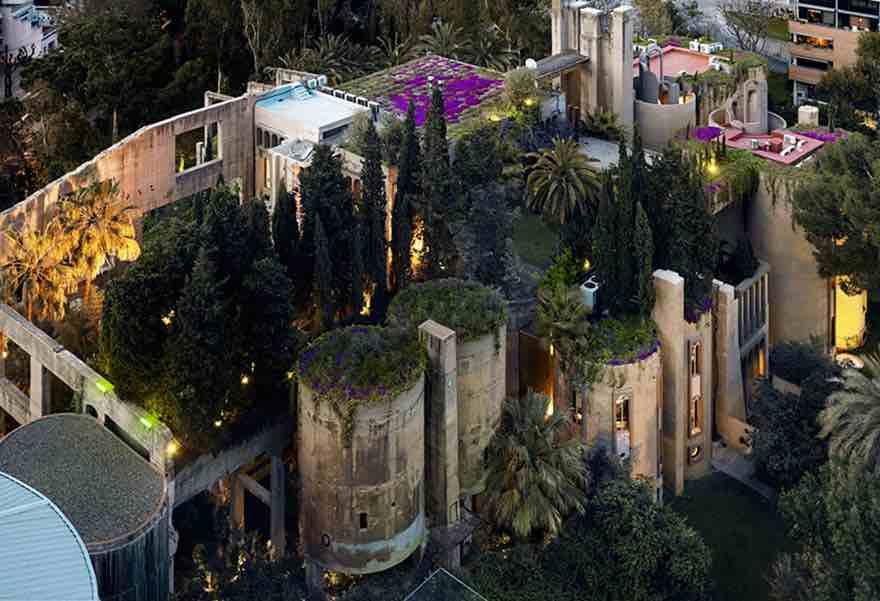 Un architetto trasforma una vecchia fabbrica di cemento 4