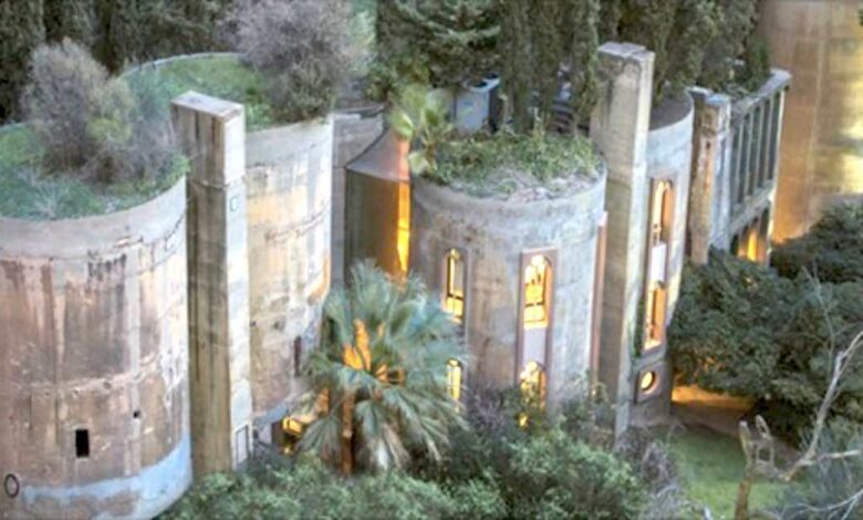 Un architetto trasforma una vecchia fabbrica di cemento nella sua casa