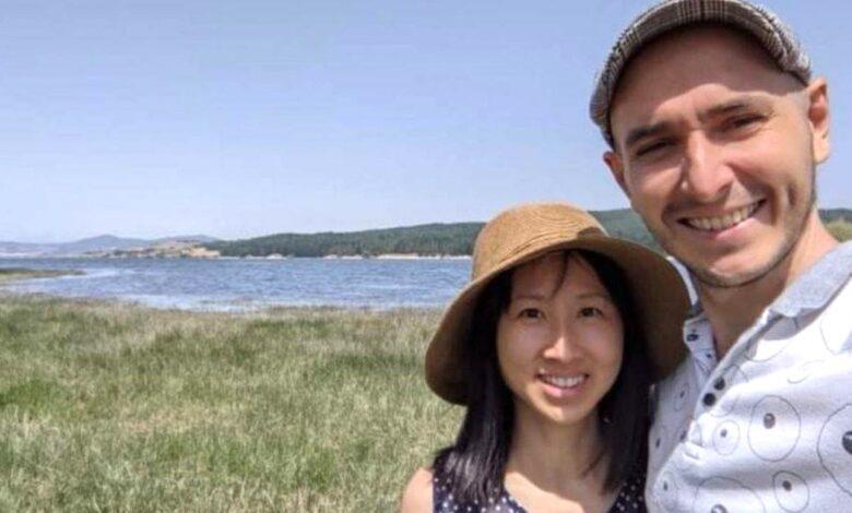 Un biologo e la moglie ingegnere lasciano Singapore